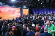 S konopnými konferencemi se v Evropě roztrhl pytel.