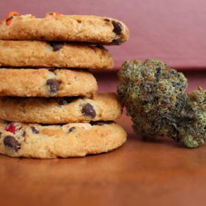 Konopné sušenky je potřeba pečlivě dávkovat.