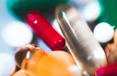 Kanabidiol může zvýšit účinnost léčby běžnými antibiotiky.
