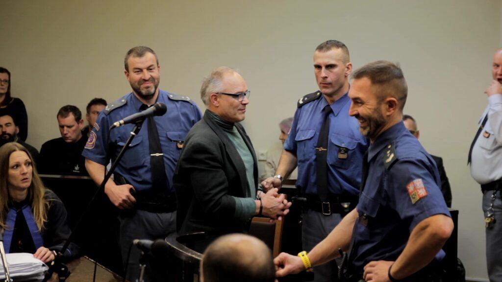 """Dušan Dvořák stráví za """"opakované pěstování konopí"""" tři roky za mřížemi."""