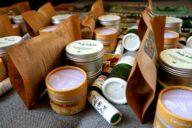 Z redakce jsme rozeslali dvacet objemných balíků plných konopných produktů.